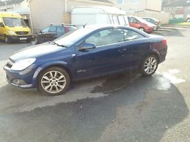 vauxhall astra twintop convertible 1.8 petrol 2009 low mileage