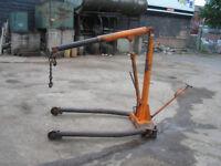 ENGINE HOIST