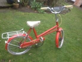 Child's Vindec bicycle having large size adjustment suitable for 7-12 years old
