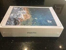 Apple iPad Pro 10.5 256 gb wifi and 4 g BRAND NEW full 12 mths Apple warranty.