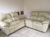 Cream leather 4 seater sofa in good condition