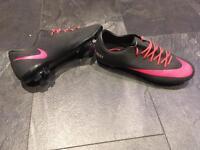 Size 5 Nike Ronaldo ID pro 3G boots
