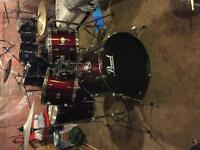 Pearl Drum Kit with cymbals OBO
