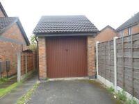 Lock Up garage for rent - Hyde