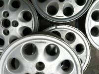 Retro Ford alloys