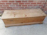 large long solid pine ottoman /toy storage /window seat with dove tails