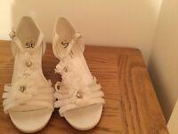 Ivory bridal Sandal - size 4
