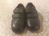 Clarke infant size 8 G black shoes