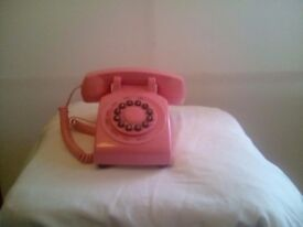 Retro pink phone - in working order