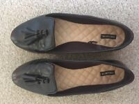 Size 6 brown loafers.