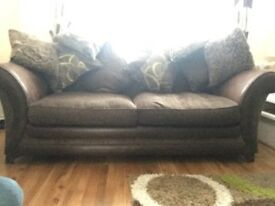 DFS LARGE 3 SEATER SETTEE AND MATCHING 2 SEATER