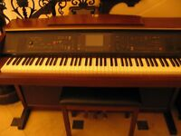 Yamaha Clavinova CVP305 Electric Piano