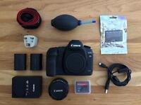 Canon 5D Mark ii, Canon 35mm F1.2, Billingham Camera Bag