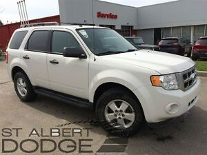 2011 Ford Escape XLT | 4X4 | HEATED LEATHER | CARPROOF