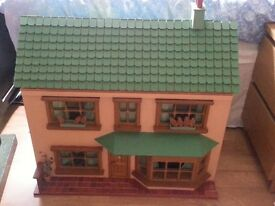 collectors dolls house may need some restoration