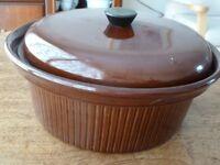 BROWN CROCK oven cooking pot.