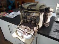 Hi-Gear Classic picnic holdall - unused
