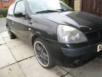 04 renault clio 1.2 16 v breaking PARTS spares