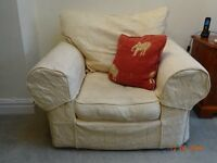 Collins and Hayes 3 piece suit Cream 2 chairs
