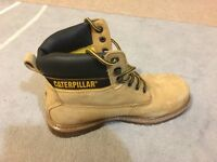 CATERPILLAR safety shoes size 7 brand new