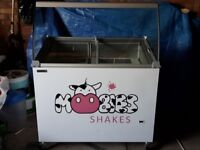 Commercial Ice Cream Display Freezer: Tefcold IC300SCE + CANOPY - Holds 7 Napoli tubs