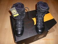 YDS Thor High Liability Combat Boots , size 6/7