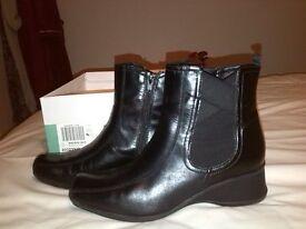 ladies Clarkes shoes & ankle boots size 5.5