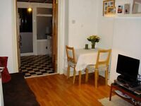 One bedroom GARDEN APRTMENT in a superb location JUST OFF UPPER STREET