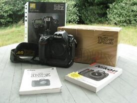 NIKON D2X Pro DX D-SLR BOXED camera body
