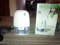 Pifco Compact Dehumidifier