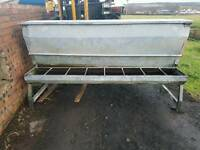 Barley beef cattle feeder with large hopper