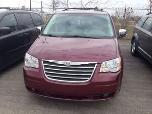 2008 Chrysler Town & Country Touring London Ontario image 2