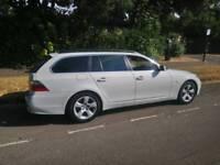 White BMW 530D TOURING