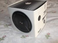 apple Isight camera in perfect condition