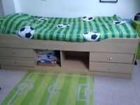 Cabin bed & mattress