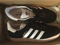 Adidas gazelles black & white
