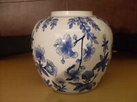 China Jardinière Plant Pot or Urn with a blue floral print