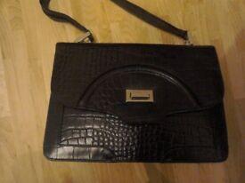 Black leather crocodile pattern ospreys handbag