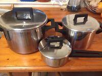 Set of 3 pots + pan