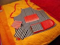 APRON, OVEN GLOVES AND TEA TOWEL SET