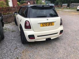 mini cooper s 11 1/2 months Mot Alloys,added extras part leather seats