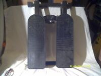 LEG EXERCISOR , VERY COMPACT FOLDING DEVICE . AS NEW FOR SALE £ 20 . ++++