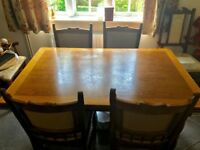 Extendable wooden dining table + 4 chairs