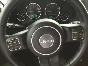 2014 Jeep Wrangler Unlimited Sahara 4X4, Leather, Local, NEW Tir Comox / Courtenay / Cumberland Comox Valley Area image 15