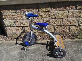 Kids GIANT trike silver and blue.