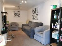***Flat Share***All Bills Inc, X4 Dbl Rooms with Lounge, Garage & Garden beside Canal in Wapping