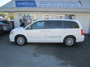 2012 Chrysler Town & Country Limitée