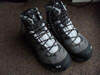 Salomon womans hiking boots