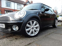 """Black MINI COOPER 1.6 NEW TYRES CHILI PACK -27k miles- Lady Owners 17"""" Crown Spoke Alloys 2009"""