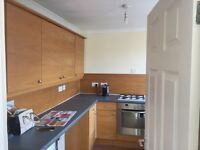 **UNFURNISHED SINGLE ROOM FOR LET IN A NEWLY DECORATED HOUSE**** BILLS INC